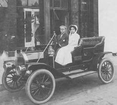 The Halladay Motor Car company founded 1905 in Chicago, Illinois, moved to Ohio in 1917.The company originated Erie Motor Carriage & Manufacturing Company in Anderson, Indiana, bought out in 1902 by Lou P. Halladay.He spent a year earning $30,000 in capital, then renamed the company the Streator Automobile & and Manufacturing Company. The company kept this name until 1913The first Halladay was a large Touring Car powered by a 4 cylinder 35 horsepower Rutenber engine.