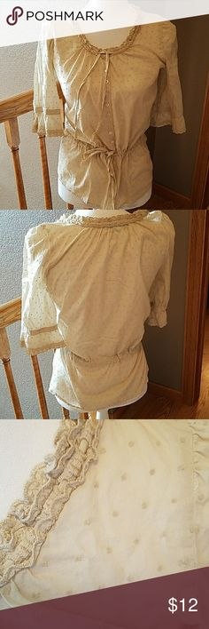 Maurices top, sz S Pretty 3/4 length sleeves, drawstring at waist and around neckline. Lace on ruffled sleeves Tops