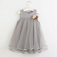 Vestido de Princesa  Aplique Floral Casual Sem Mangas 3-7 Anos.  https://www.meninoseninas.com.br/7453034-Vestido-de-Princesa-Aplique-Floral-Casual-Sem-Mangas-3-7-Anos-