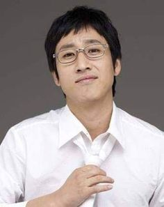 Love his animal appeal and sexy voice Korean Actresses, Korean Actors, Lee Sun Kyun, Love Him, My Idol, Kdrama, The Voice, Handsome, Celebrities