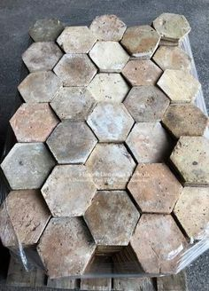 Mudroom Floor or Kitchen BackSplash French Reclaimed Hexagon Terra Cotta Tile - Item Country Kitchen Designs, French Country Kitchens, French Country House, French Country Decorating, Ideas Dormitorios, Kitchen Remodel Cost, Kitchen Remodeling, Tuile, Interior Minimalista
