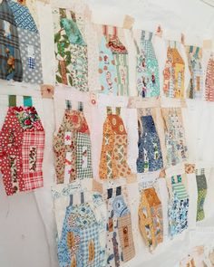 House Quilts, Fabric Houses, Scrappy Quilts, Paper Piecing, Diy And Crafts, Collage, Blanket, Projects, Terraces