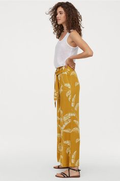 Trousers in soft, gently draping viscose twill with a high, elasticated waist and detachable tie belt. Side pockets and straight, wide legs. Casual Chic, Formal Casual, Wide Trousers, Wide Leg Pants, Wide Legs, Yellow Pattern, Belt Tying, Fashion Company, Everyday Fashion