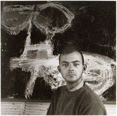 Cy Twombly at Black Mountain College in the Photograph taken by Robert Rauschenberg. Cy Twombly, Robert Rauschenberg, Jasper Johns, Famous Artists, Great Artists, Guggenheim Bilbao, Black Mountain College, Graffiti, American Artists