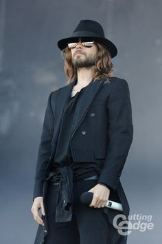 http://www.cuttingedge.be/system/files/styles/gallery_large/private/30secondstomars130615_2.jpg?itok=WiXJ-wLz