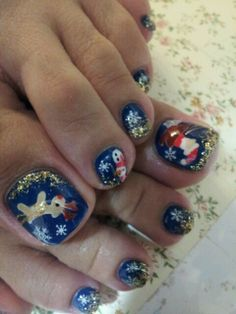 Christmas toe nails