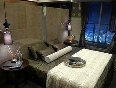B291 豊かさを感じる住まい ベッドの裏にはクローゼットを設け、大人二人が住まう上質で魅力あふれる空間に。