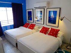 Charming Condo con 2 camas - La mejor ubicación - TV libre y Wi-Fi!Alquiler de vacaciones en Sur de Miami Beach de @homeaway! #vacation #rental #travel #homeaway Condo, Miami Beach, Vacation Rental Sites, Wi Fi, Beach House, This Is Us, Hotels, Beds, Beach Homes