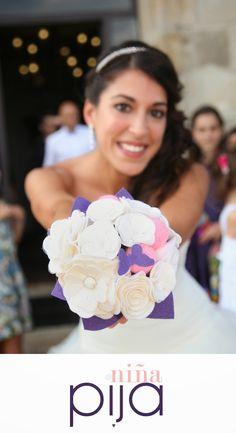 NIÑA PIJA Complementos de bodas originales y creativas: Novios Niña Pija: Mini Ramo De Flores De Fieltro