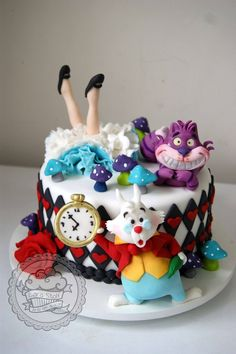 DIY Party Food : Alice in Wonderland Cake / Bolo Alice no país das maravilhas…