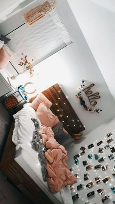 room decor LOVEEEEE the brown bed frame with the pink and grey theme; can add the plants an. LOVEEEEE the brown bed frame with the pink and grey theme; can add the plants and the fairy lights