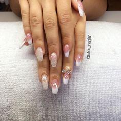 Franska med rosett och egenblandat glitter på Veronica  . . . #nailporn #nailtech #gelnails #gelenaglar #nagelförlängning #glitternails #naglar #nailswag #vackranaglar #nailstagram #laquenailbar #nails #scra2ch #hudabeauty #gliter #nailart #coffinnails #kinna  #melformakeup #vegas_nay #nsi #nailpromote #longnails #nailartgallery #stiletto #branco #notd #theglamourhouse #nailsonfleek #nailsmagazine by lollos_naglar