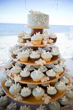 Please be sure to see these awesome wedding cupcakes. And use code Pin60 for 10% off wedding items at www.CreativeWeddingStyle.com