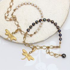 This pearl bracelet is a fantastic accessory that allows you to change your look by mixing and matching the eclectic collection of goldplated and golden pewter charms depending on your mood. Pearl Bracelet, Beaded Necklace, Gothic Wedding, Gold Chains, Pewter, Charms, Wedding Ideas, Mood, Jewellery