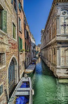 ✯ Venice Canal