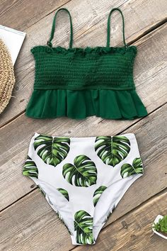 Hit the beach in our Green and Monstera High-Waisted Bikini! This bikini set fea. - - Hit the beach in our Green and Monstera High-Waisted Bikini! This bikini set fea… Source by giuliannacampo Push Up Bikini, Bikini Sets, Bikini Bandeau, Sexy Bikini, Bikini Top, Bikini Beach, Bikini Mayo, Bikini Swimsuit, Summer Bathing Suits