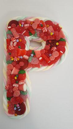 LOS DETALLES DE BEA: Iniciales, números.. todo lo que necesites para una celebración muy dulce