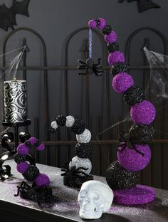 This looks easy enough to DIY. ---------------goosebump tree amazing black and purple decor. these would be awesome as centerpieces for my halloween wedding hallowedding Spooky Halloween, Halloween Birthday, Holidays Halloween, Baby Halloween, Halloween Crafts, Halloween Stuff, Dollar Tree Halloween, Halloween Weddings, Cheap Halloween