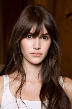 Couleur Cheveux : 27 Magnifiques Tendances Colorations Cheveux 2019 Coco, Hair Inspiration, Bangs, Curls, Hair Cuts, Hair Beauty, Brown Hairstyles, Beste Tattoo, Hair Style