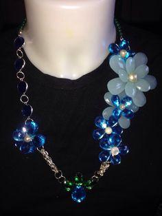 Altra #collana a tema #floreale in #cristalli #azzurri  www.oro18.eu #oro18 #bigiotteria #bijoux #jewelry