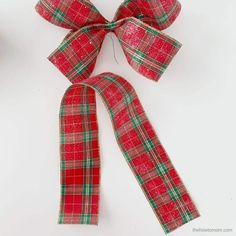 How to Make a Bow for a Wreath - Easy! Christmas Pom Pom Crafts, Christmas Bows, Christmas Decorations, Christmas Stuff, Holiday Crafts, Christmas Time, Halloween Decorations, Christmas Ornaments, Diy Bow