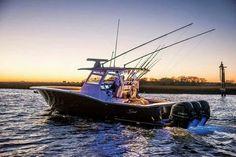 Offshore saltwater fishing, Florida #reellife #gearthatfitsyourlifestyle www.reellifegear.com