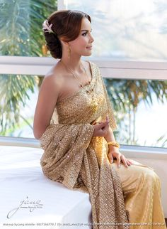 A beautiful memory of her. Thai Brides, Strapless Dress, Formal Dresses, Beautiful, Fashion, Strapless Gown, Dresses For Formal, Moda, Formal Gowns
