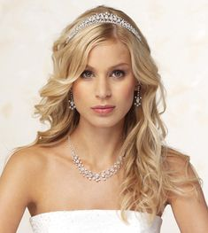 Wedding Hairstyles For Long Hair With Tiara Hairstyles Gallery Wallpaper
