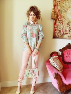 choker collar and jumper outfit
