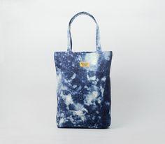 "Großer Shopper in Batikmuster, Shibori, Festivalsaison / festival outfit: shibori shopper bag, hippie style made by Augusta Wind via <a href=""http://DaWanda.com"" rel=""nofollow"" target=""_blank"">DaWanda.com</a>"