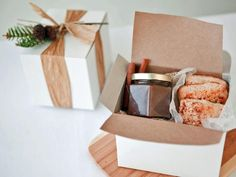 For any holiday party you may host this year; DIY Holiday Party Favors! Inexpensive and #smart