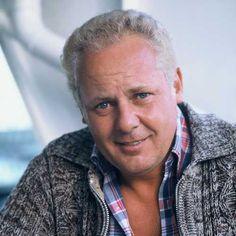 Rudi Falkenhage (May 16, 1933 - January 26, 2005) Dutch actor (best known from the series of 'De Fabriek' and 'Dagboek van een herdershond').