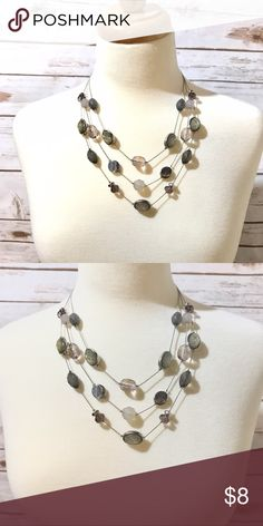 🖤Black & Gray Gem Necklace🖤 Gray & Black gem necklace from New York & Company. No tarnish or anything wrong. Please feel free to ask any questions & thank you so much for stopping by!!! New York & Company Jewelry Necklaces
