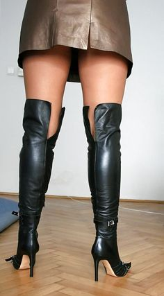 Knee High Heels, Thigh High Boots, High Heel Boots, Heeled Boots, Sexy Legs And Heels, Sexy Boots, Black Boots, Leather Boots, Leather Outfits