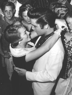 Original Caption: Tennessee: Parting is such sweet sorrow said the bard, and singer Elvis Presley and Anita Wood are obviously in the mood to agree. Elvis was about to leave on a personal appearance tour, while Anita was hopeful of. Elvis Presley Lyrics, Elvis Presley Photos, Priscilla Presley, Peace In The Valley, Young Elvis, Jailhouse Rock, Heartbreak Hotel, Two Movies, Graceland