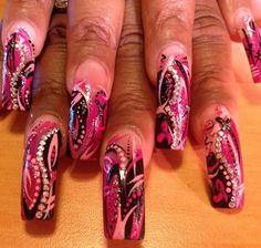 Acrylic nails by Jessica Reohr