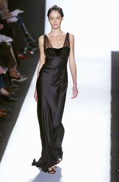 Oscar de la Renta at New York Fashion Week Fall 2005 - Runway Photos