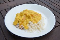 Hedelmäinen currykana