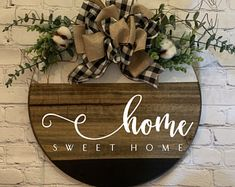 Welcome Signs Front Door, Front Door Decor, Wreaths For Front Door, Door Wreaths, Front Porch, Sweet Home, Wood Circles, Wood Rounds, Be Natural