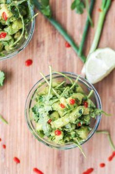 Avocado komkommersalade.