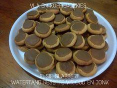 Picture Biscuit Bar, Biscuit Recipe, 21st Bday Cake, Cinnabon Cinnamon Rolls, Food Art For Kids, Bakeries, Afrikaans, Dessert Recipes, Desserts
