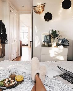 "5,919 Likes, 42 Comments - Viktoria Dahlberg (@viktoria.dahlberg) on Instagram: ""Let's pretend the weekend already started ✨ #goodmorning #uohome #uoonyou #ugglife #interior #nyc"""