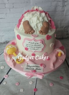 Cute as a button baby shower cake!