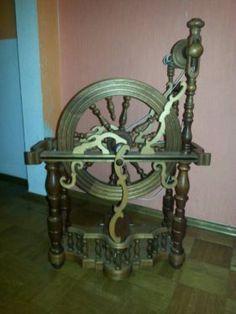 Antikes Spinnrad in Heppenheim (Bergstraße)