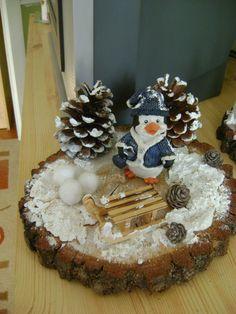 karácsonyi asztaldisz Advent, Christmas Wreaths, Christmas Crafts, Pom Poms, Wood Crafts, Holiday Decor, Xmas, Christmas, Creative