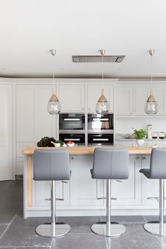 We are delighted to chat with Darren Taylor, managing director for Searle & Taylor to find out how to design a kitchen with an integrated work space Shaker Style Kitchens, Shaker Kitchen, Clean Lines, Timeless Design, Contemporary, Modern, Traditional, Storage, Create