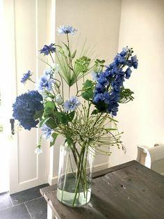 Email - Aagje Grift - Outlook- E-mail – Aagje Grift – Outlook Email – Aagje Grift – Outlook - Arrangements Ikebana, Floral Arrangements, Deco Floral, Arte Floral, Fresh Flowers, Beautiful Flowers, Bouquet Champetre, Design Jardin, Blue Bouquet