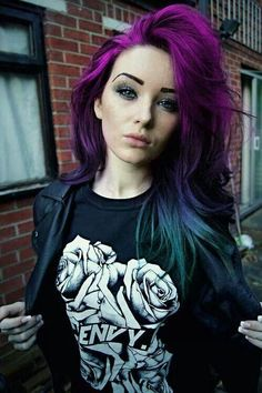 Purple/Blue Ombre Hair this looks cool. Purple Blue Ombre, Bright Purple, Blue Green Hair, Deep Purple, Ombre Color, Girl With Purple Hair, Violet Ombre, Dark Ombre, Pastel Purple
