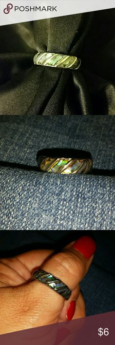 Fun beach inspired ring Silver tone ? abalone inlays ? Jewelry Rings