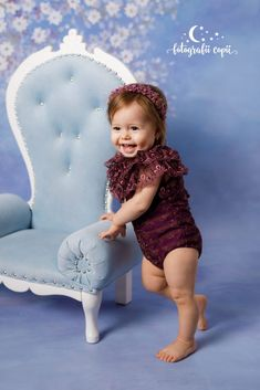 Ședințe foto bebeluși - Foto Bebeluși - Fotograf de familie și copii Armchair, Studio, Home Decor, Sofa Chair, Single Sofa, Decoration Home, Room Decor, Studios, Home Interior Design